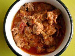 Cinnamon lamb curry